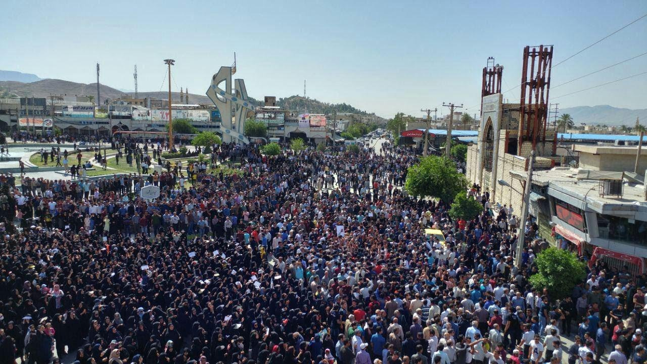 IRAN: Anti-riot forces take up positions in Kazerun to quell major protest