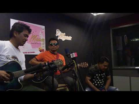 Slash- Melodi Kasih Live Acoustic