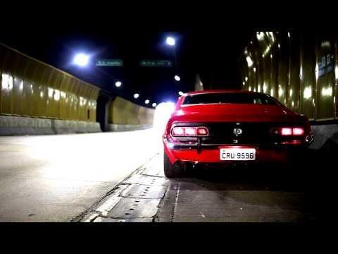Ford Maverick GT 302 V8 1973 - acelerando no túnel (engine sound)