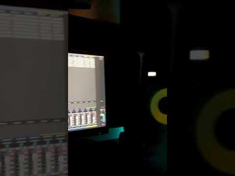 Yamal Music - Vuelves