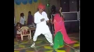 Funny video of Rajasthani marwadi dance!!!