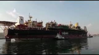 سفينة تكرير بترول طولها «268 مترا» تعبر قناة السويس