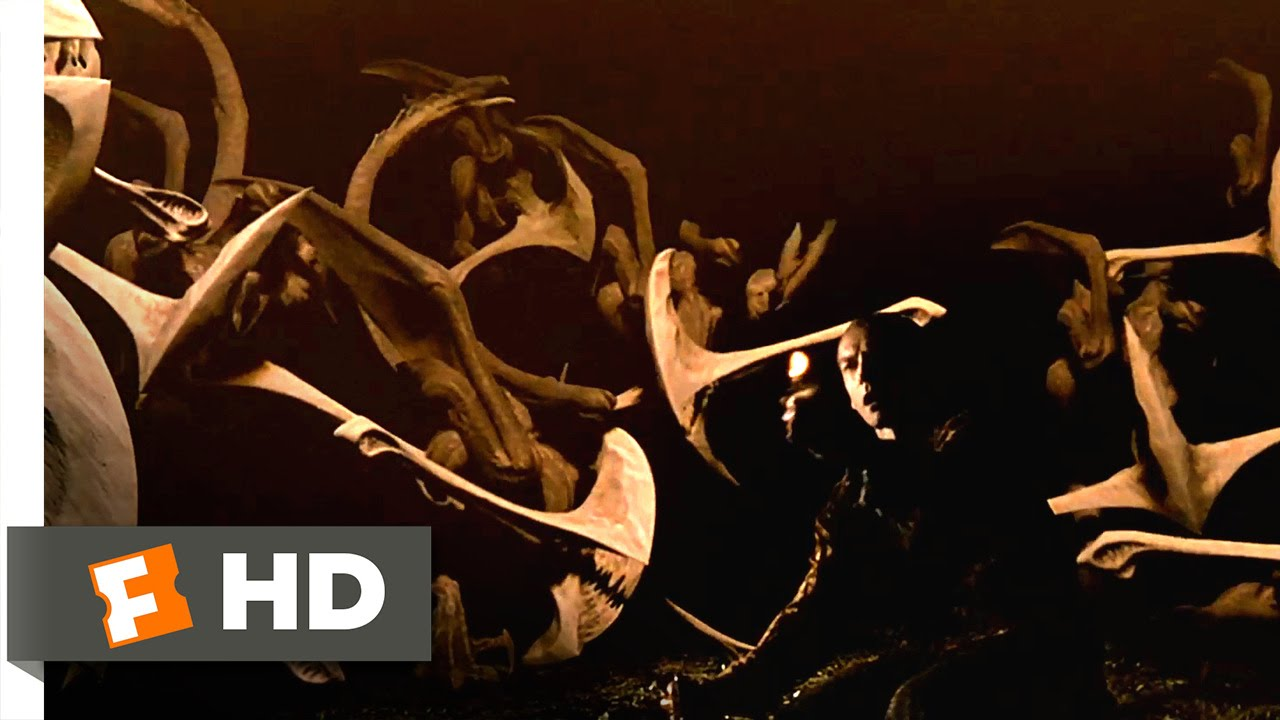 Download Pitch Black (6/10) Movie CLIP - Don't Stray From the Light (2000) HD