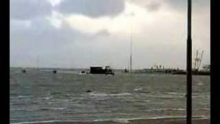 Hoogwater en wind in  Lauwersoog