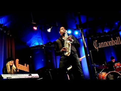 "Eric Darius live: ""I Wish"" by Stevie Wonder - Cannonball Saxophones"