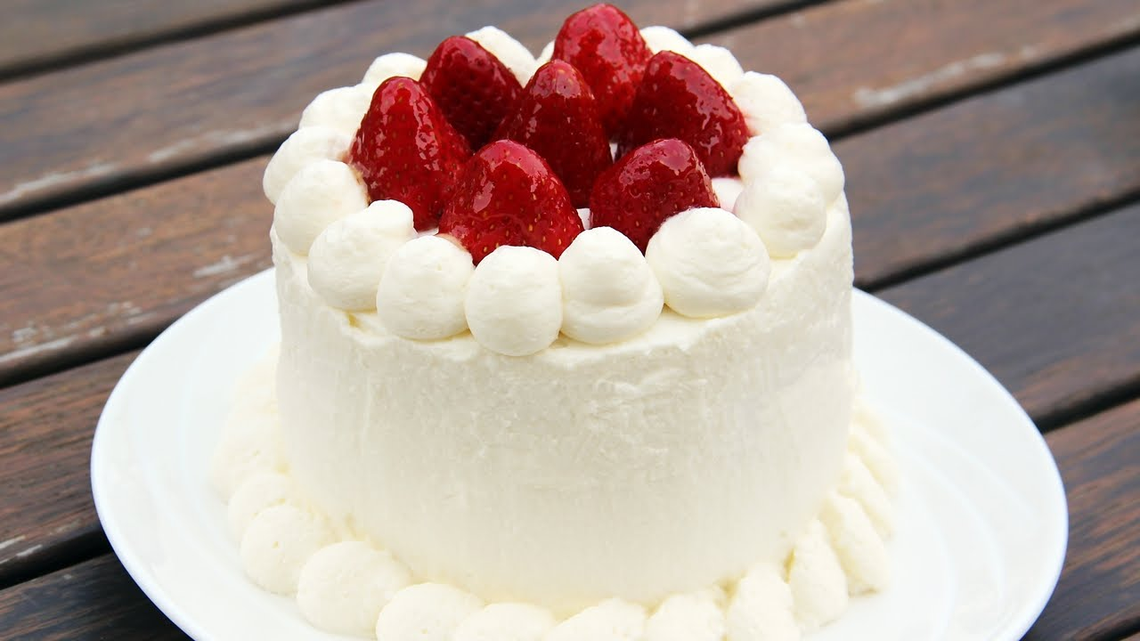Japanese Strawberry Shortcake Sponge Cake Recipe