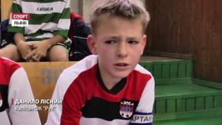 На різдвяний турнір з футболу до Львова з'їхались 84 дитячі команди