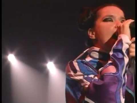 Björk - Live at Live 8 (2005) (Pro-shot video)