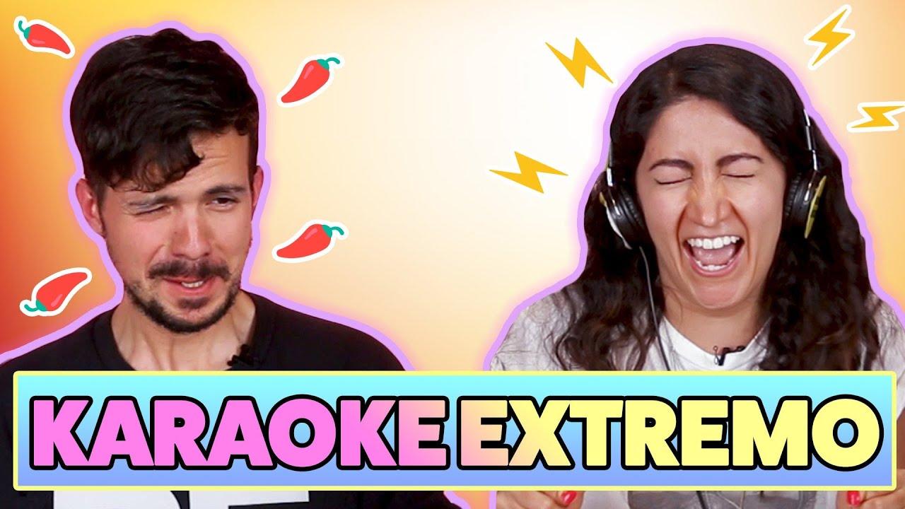 Personas se enfrentan al karaoke más extremo de Disney, My Chemical Romance, RBD, y más...