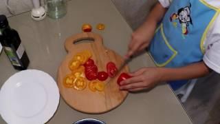Салат Капрезе.  Кухня от Ярика.  Готовить может каждый.  Итальянская кухня