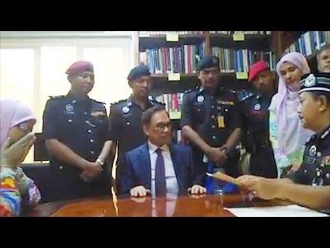 Video of full pardon granted to Anwar Ibrahim