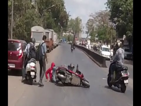 # Accident in Mumbai caught on Camera#responsiblemom#dont miss end#DAILY OBSERVATION 8