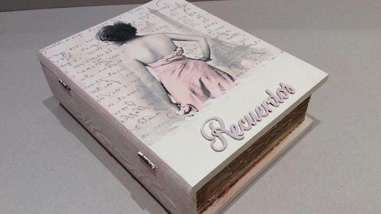 Caja libro vintage decorada con decoupage conideade youtube - Caja decorada con fotos ...