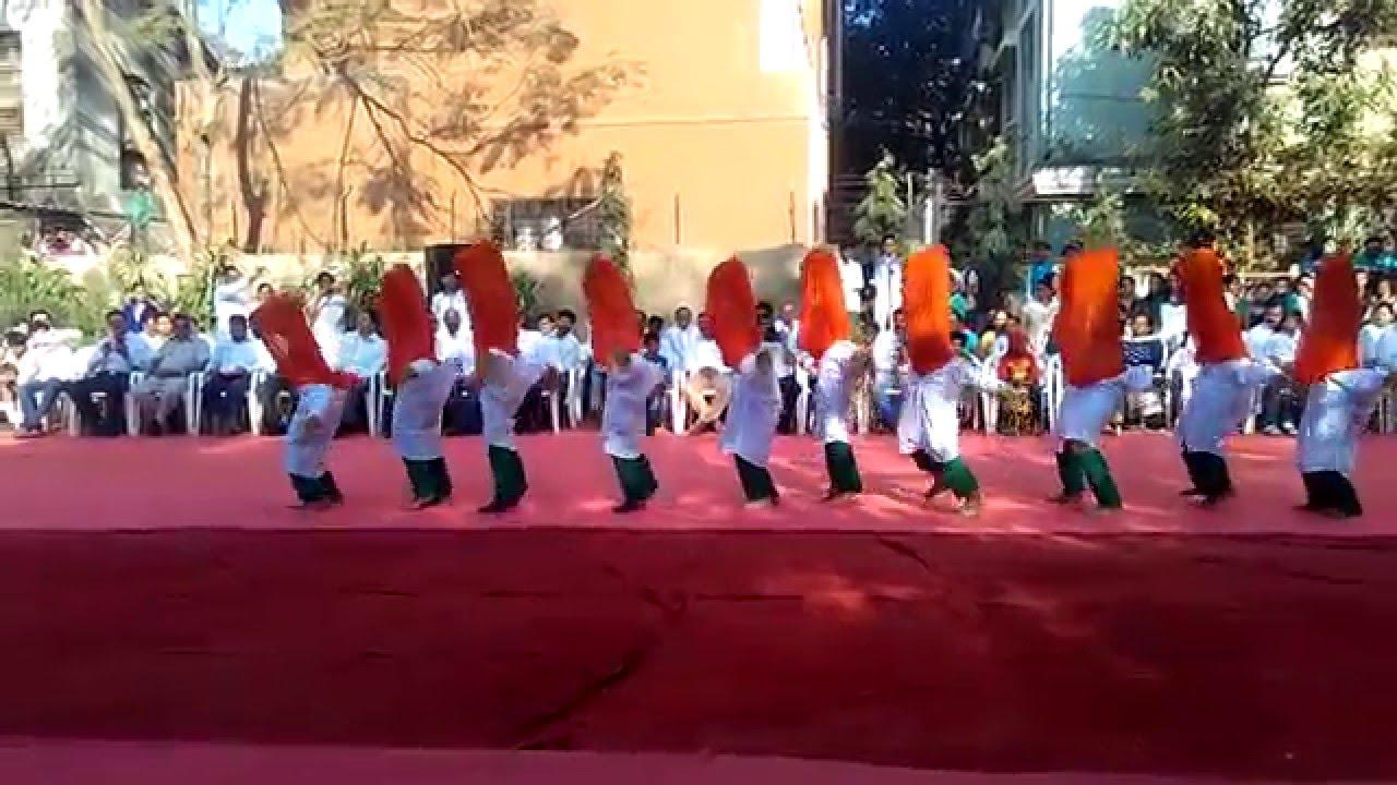 Dance on Rebublic Day: Suno Gaur se Duniya Walo - YouTube.
