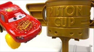 DISNEY PIXAR CARS PISTON CUP SPLASH OFF HYDROWHEELS LIGHTNING MCQUEEN HOTWHEELS RACE - UNBOXING