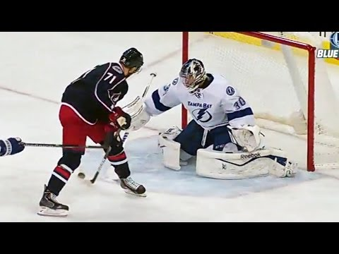 Nick Foligno goes between-the-legs for an amazing goal