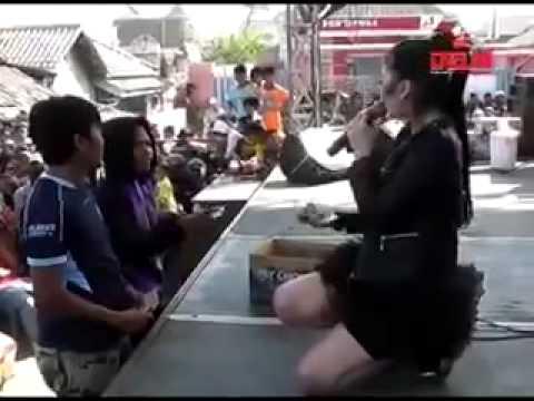 Dangdut Video Terpopuler Utami Dewi Fortuna   Antara Teman dan Kasih   GRG Sarang Rembang 2014