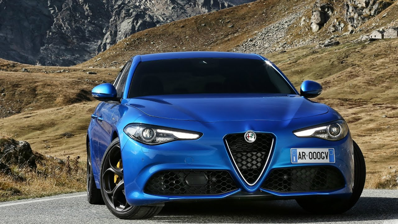 Alfa Romeo 4c >> 2017 Alfa Romeo Giulia Veloce Q4 - Drive and Design - YouTube