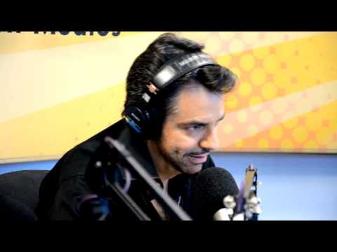 Eugenio Derbez gets Surprised by Wife on LIVE RADIO!!! Videos De Viajes