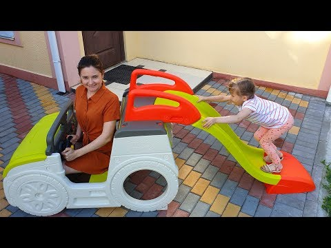 НастяПлей с мамой покупаем в магазине игрушек Новую Горку