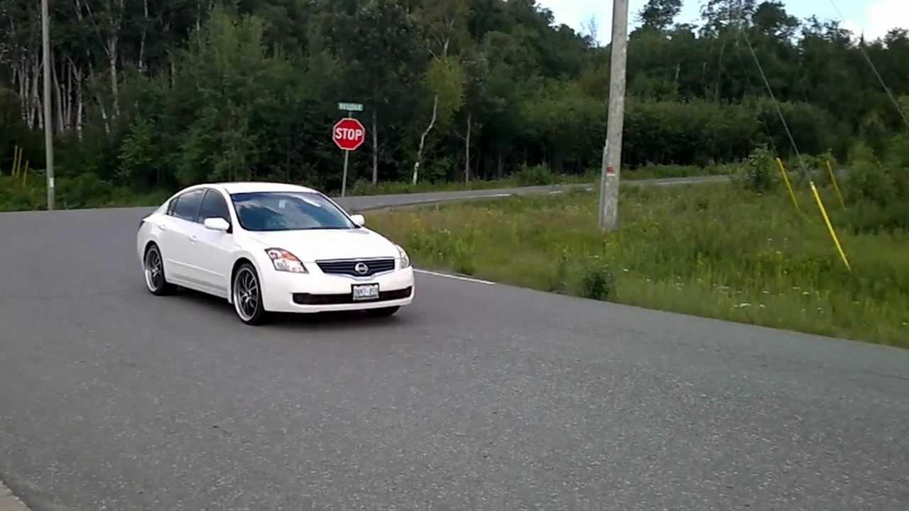 Nissan altima on 20s youtube nissan altima on 20s vanachro Image collections