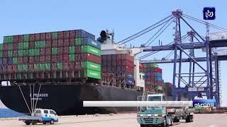 رغم الاتفاق النيابي يواصل أصحاب الشاحنات تعليق العمل في ميناء الحاويات - (4-1-2018)