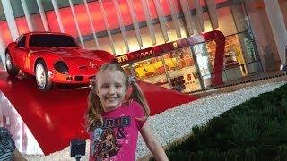 VLOG: Ferrari World| 1 часть Абу Даби(Привет всем!)Меня зовут Элина.Мне 11 лет. Видео-редактор: IMovie. Снимаю видео на свой телефон-IPhone5S. Мои Влоги..., 2014-06-13T14:07:08.000Z)