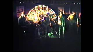 Combo Colossale - Puppen Weinen Nicht (live 1982, feat. Michael Flexig)