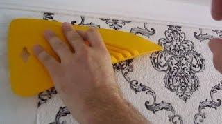видео Как клеить обои на потолок: технология наклеивания