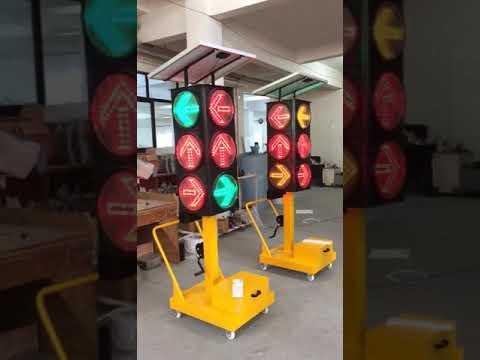 Solar Arrow Traffic Lights