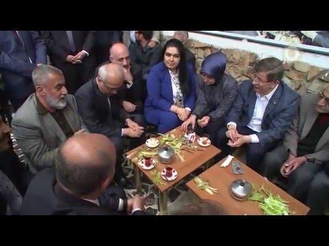 Başbakan Ahmet Davutoğlu, Muş'ta vatandaşlar ile bir araya geldi.