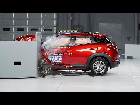 2016 Mazda CX-3 driver-side small overlap test