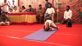 vuclip S.Diantha has broken existing record by an aduld for longest time to stay in laghu vajrasanam pose.