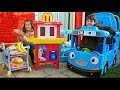 McDonald's Drive Thru Pretend Play with Food Cooking Truck and Little Bus