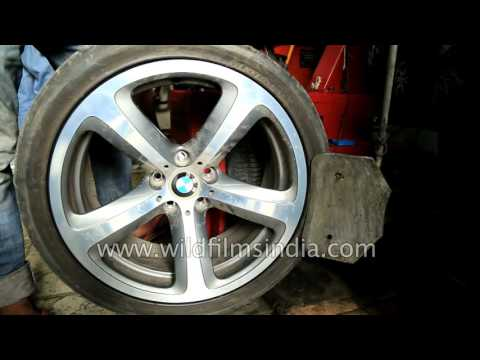 BMW Run Flat tyres are a failure in India: see how a RFT tyre is removed