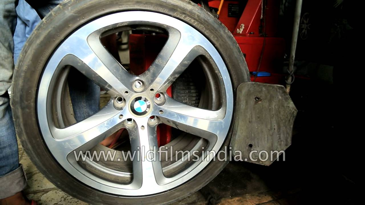 BMW Run Flat tyres are a failure in India see how a RFT tyre is
