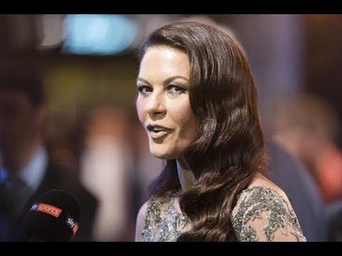 Catherine Zeta Jones aparece totalmente cambiada en la gala de la FIFA
