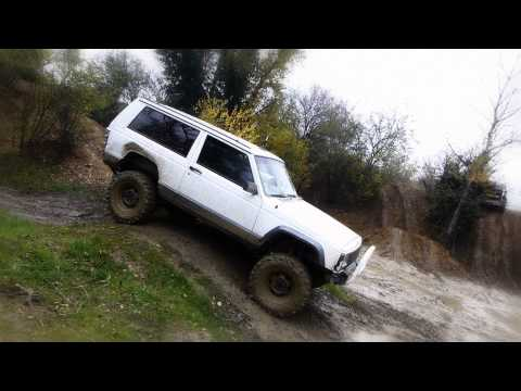 "Jeep Cherokee XJ 2.1L Diesel - 4.5"" Lift [No Music]"