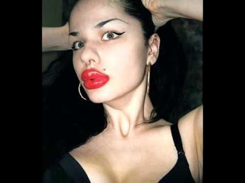 big lips hot naked