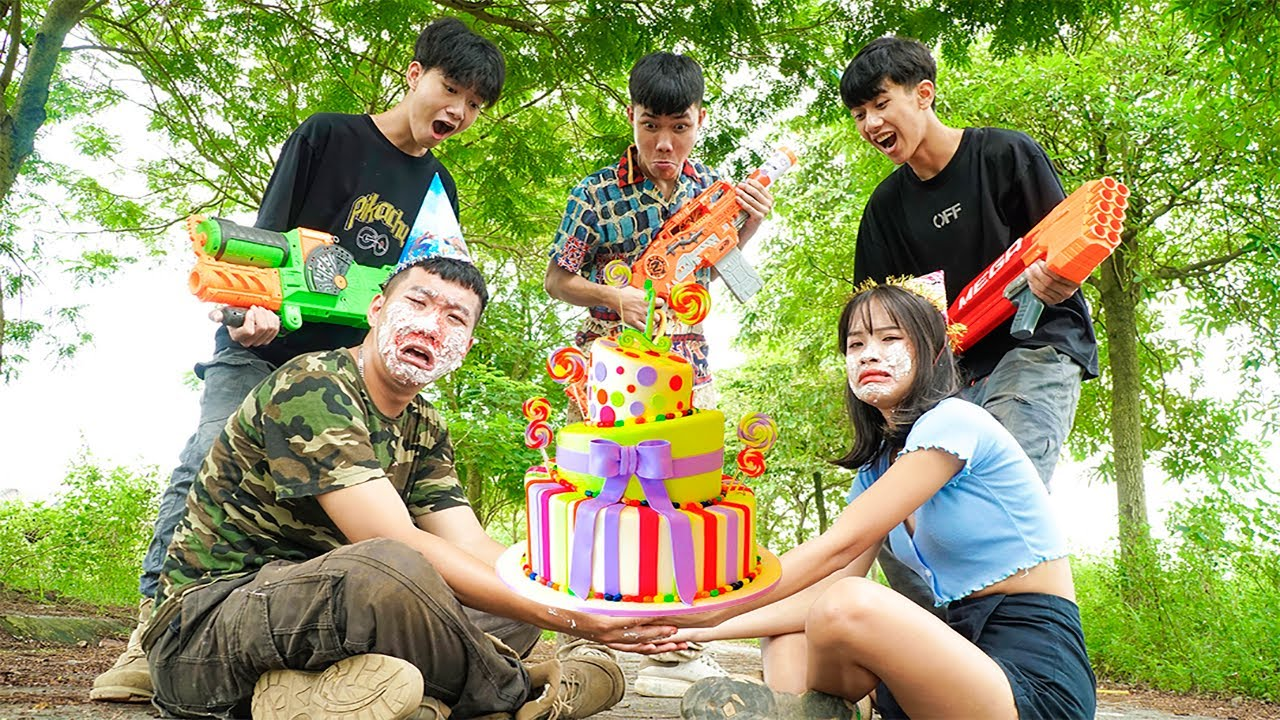 League Nerf War: Couple Seal Warriors Nerf Guns Robber Group Thief Birthday Cake Battle
