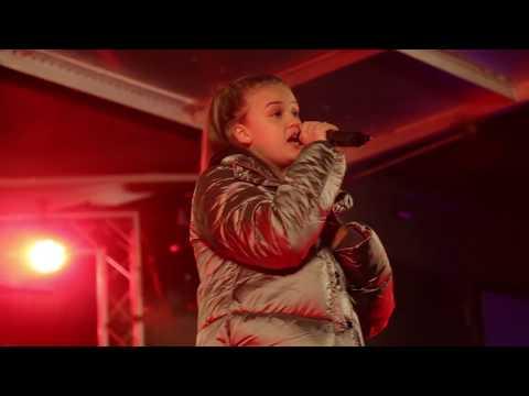 Jess Folley Trouble   Billericay Fireworks 2017   Northfield media