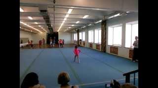 3 юношеский разряд спортивная гимнастика .Вольные упражнения. Анна  5,5 лет.