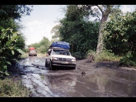 Road from Linyanti to Kasane. 4X4  Botswana. Travel guide.