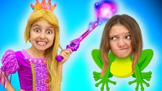 Princess Magically Turns her Sister into a Frog   Super Elsa