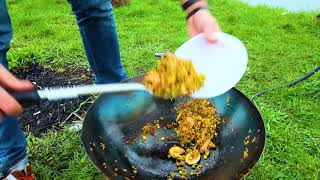 Жареный рис с овощами в воке