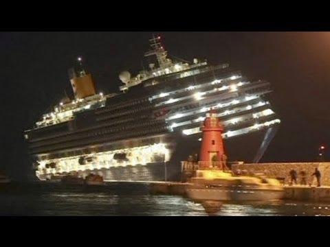 Naufrage d 39 un navire de croisi re en italie youtube for Bateau de luxe interieur