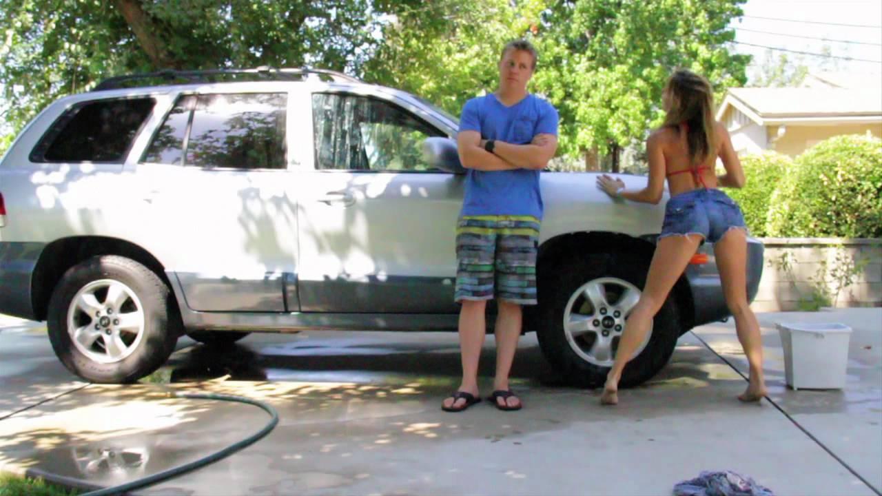 bikini-girls-washing-minivans