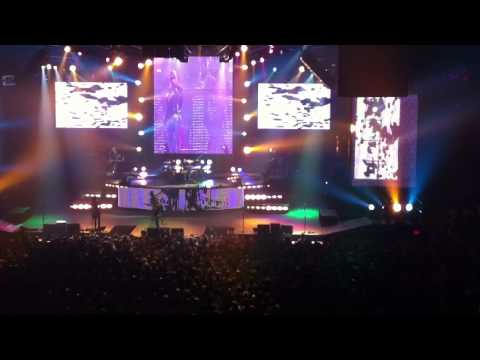 Guns and Roses-Paradise City-Worcester,Ma 11-25-11