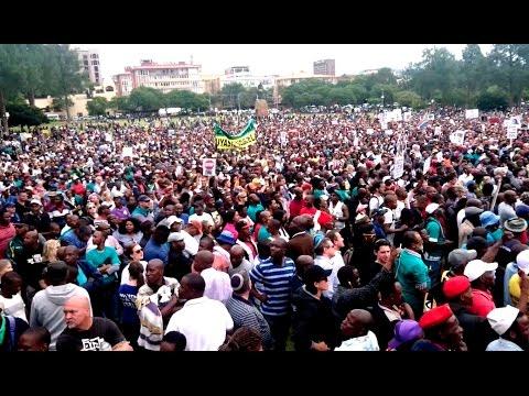 WATCH: Pretoria - Union Buildings sway under #AntiZumaMarch