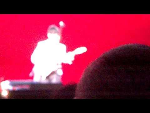 Dwight Yoakam - Blame the Vain Jacksonville, FL 2013
